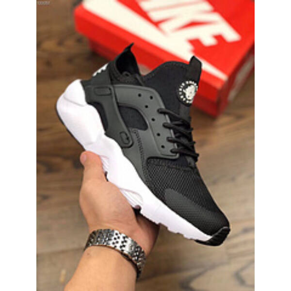 Nike Air Huarache Run B/W